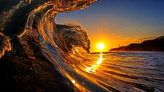 Majestic wave at sunrise, California, USA --- Image by © David Pu'u/Corbis